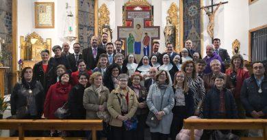 Misa de primero de mes junto al Santísimo y la Cruz de la Misión diocesana